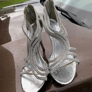 Women's size 8 silver diamond heels